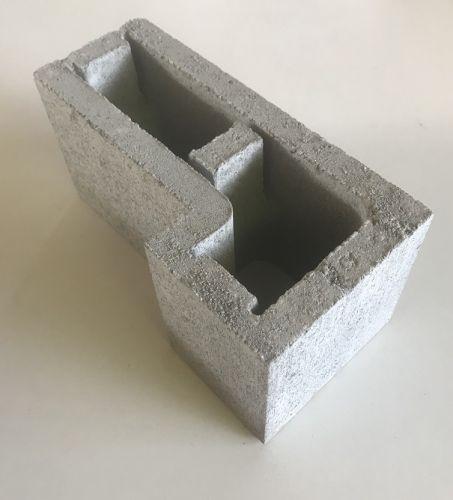 15.25 L Corner Block